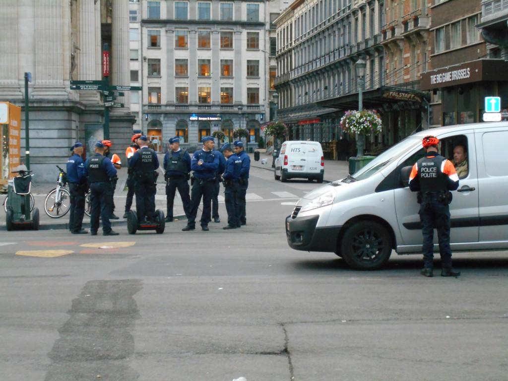 La police arrête un véhicule tentant de pénétrer dans le piétonnier géant
