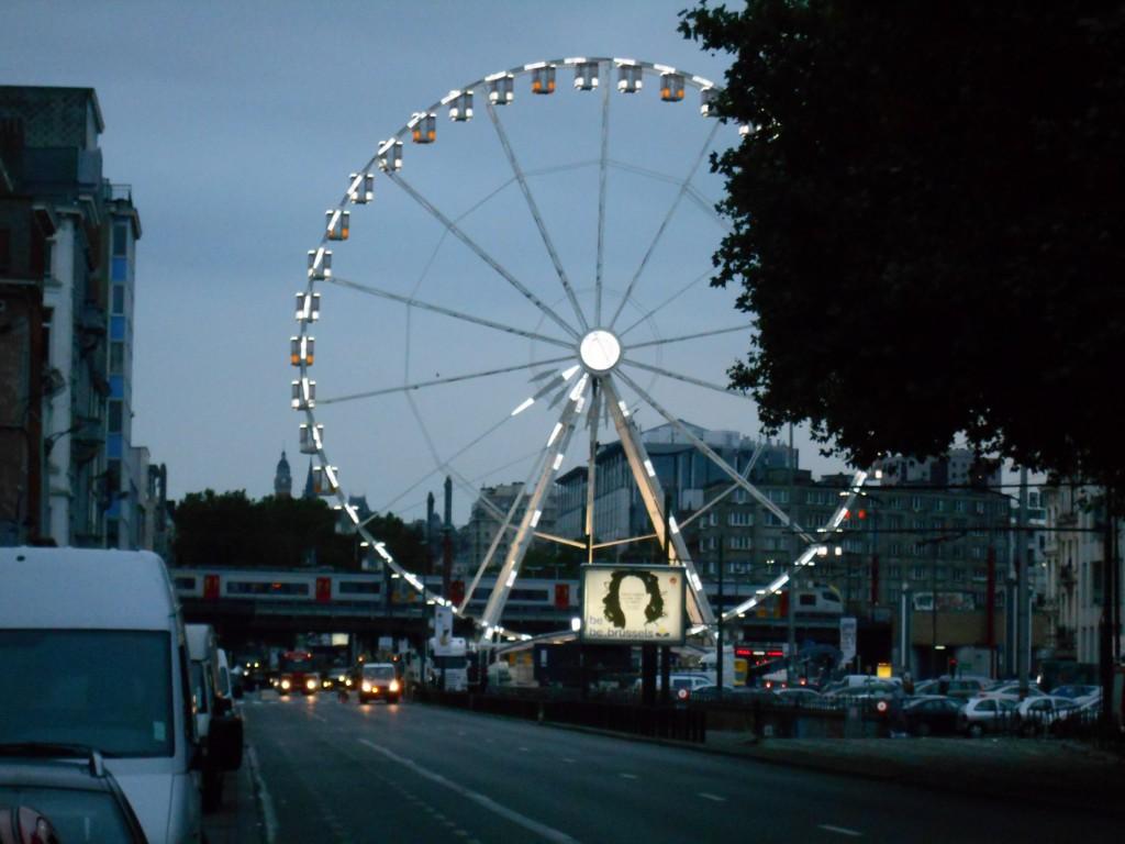 Et pendant que des hommes se masturbent sur son piétonnier, Yvan Mayeur installe la grande roue dont Paris ne veut plus !