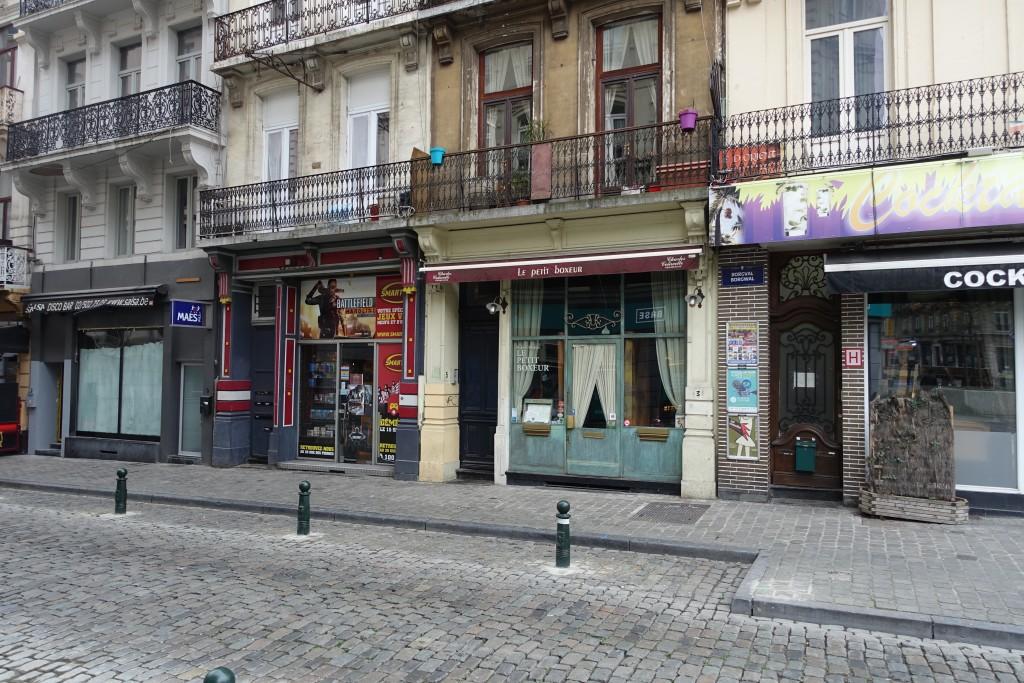 """Un exemple de """"mayeurisation"""" : la rue Borgval... pourtant en plein centre historique, juste en face de l'AB (Ancienne Belgique)"""