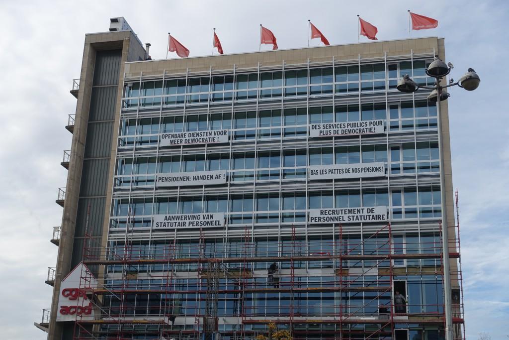 L'affreux building de la CGSP-ACOD avec ses slogans deviendra-t-il le but de promenade de millions de touristes ?