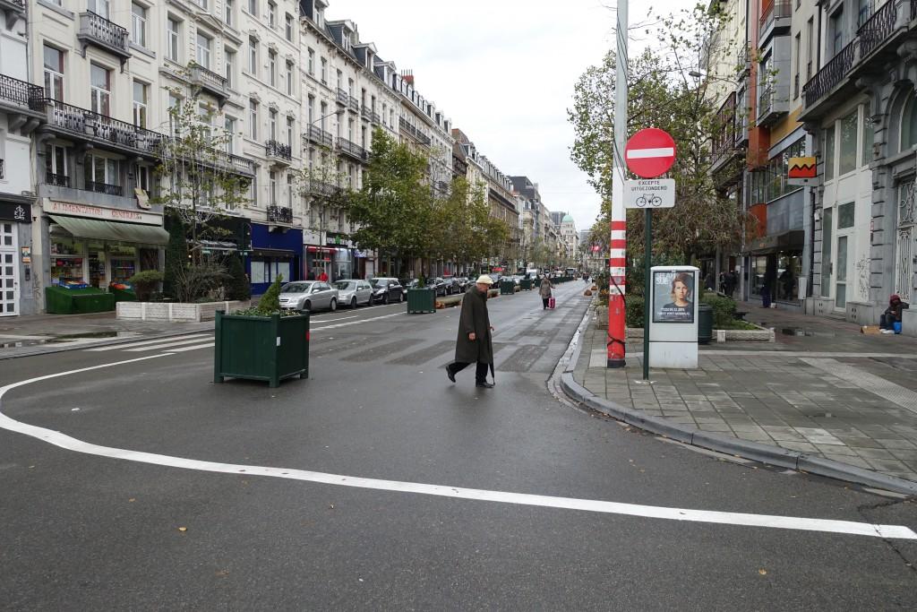 Seule une petite souris pourrait s'engager dans cette partie du boulevard Anspach...