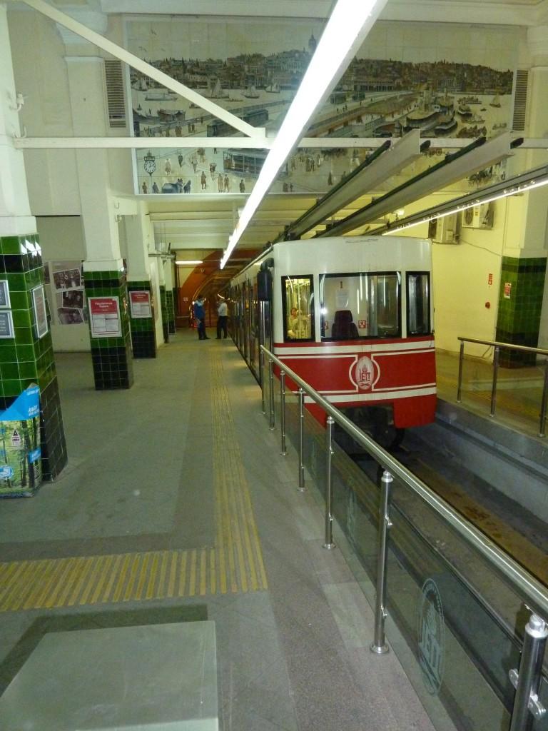 La station supérieure du Tünel (photo de l'auteur)