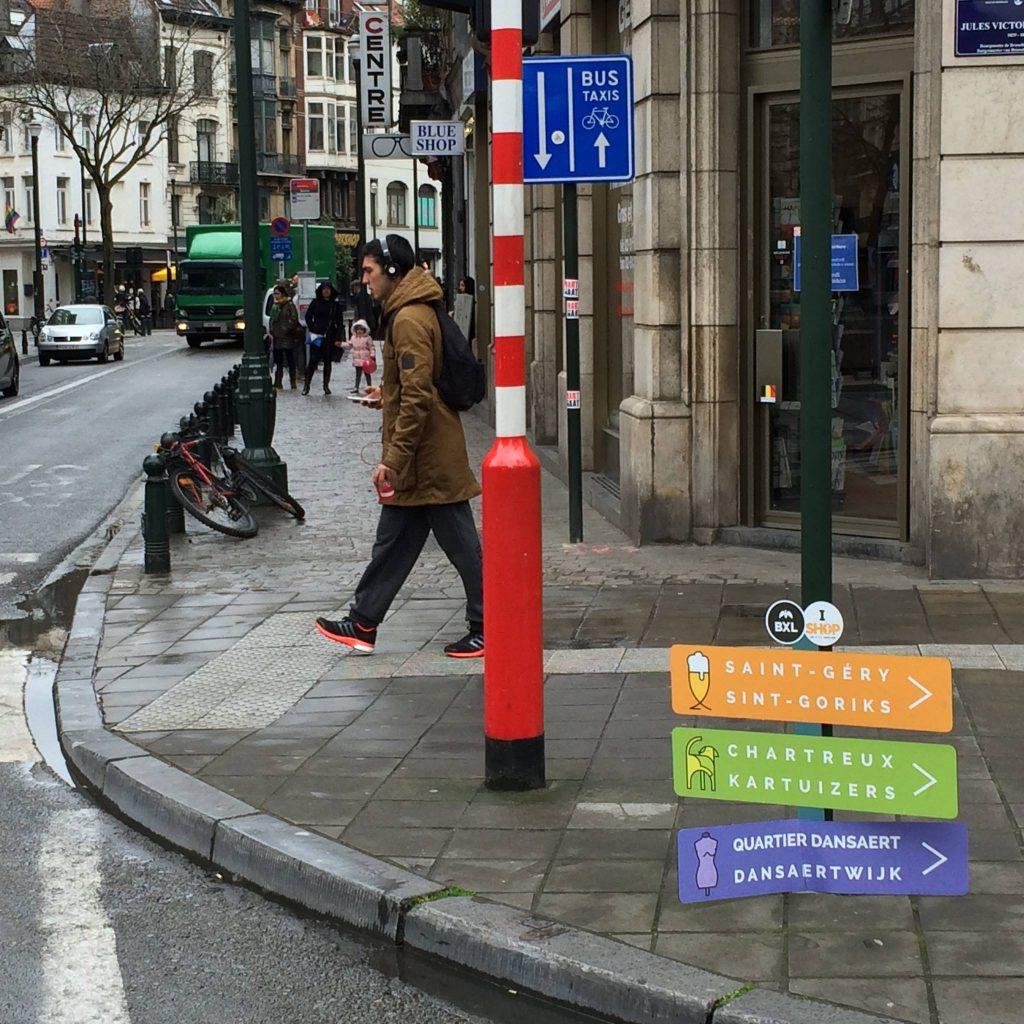 Un exemple de signalisation aberrante mise en place par Yvan Mayeur...