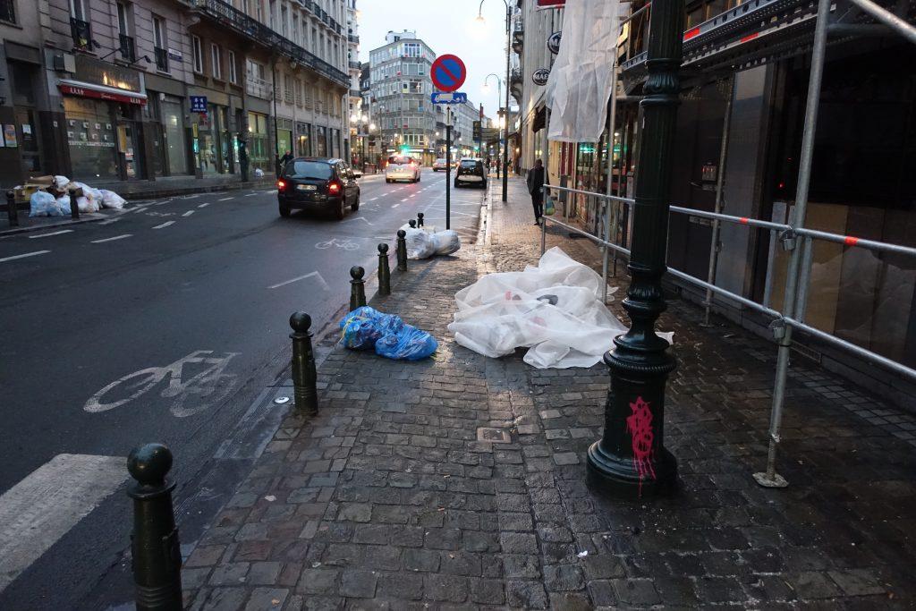 Yvan Mayeur a interdit la collecte des immondices avant 10 heures du matin