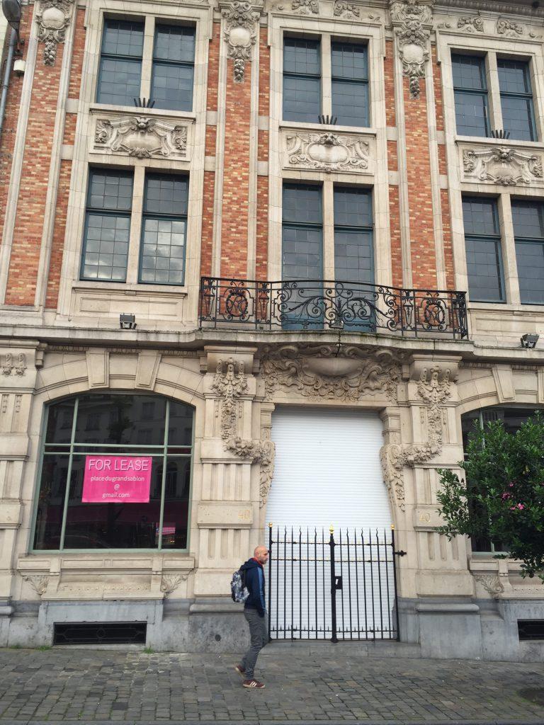 Ladurée a tiré un trait sur Bruxelles-lez-Piétonnier, car les clients aisés fuient désormais le centre-ville, y compris le Sablon !