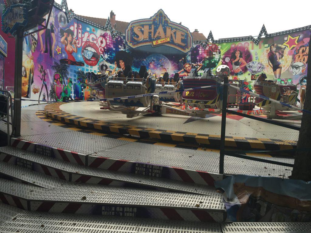 """Le """"Shake & Roll"""" : cette dangereuse attraction a été fermée sur ordre de police"""